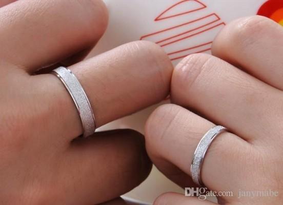 ý nghĩ của đeo nhẫn đôi