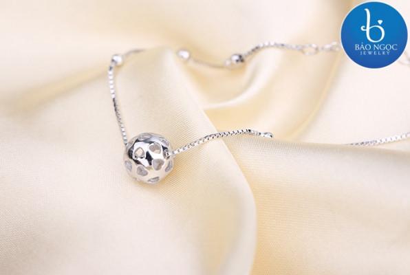 Lắc tay bạc đẹp - Phụ kiện trang sức giúp bạn khẳng định phong cách